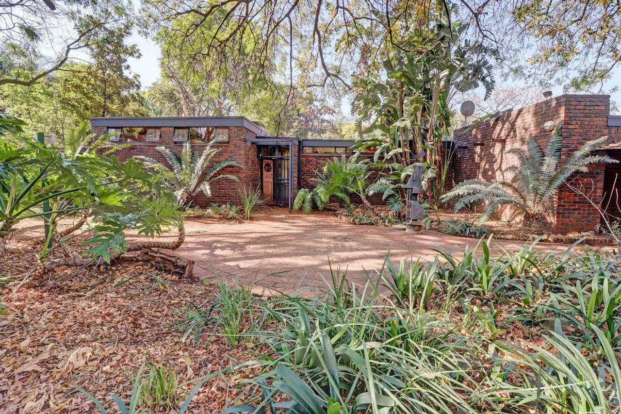 4 Bedroom Freehold For Sale in Brummeria